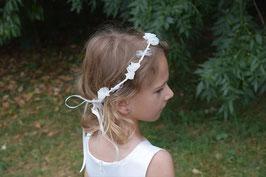 Couronne de fleurs enfant pour mariage, baptême, communion, demoiselle d'honneur/ Couronne fleurs tissu blanc fait-main