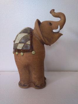 Elefante H. cm. 32, L. cm. 21, P. cm. 16 circa