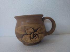 Tazza H. cm. 9,5, diametro cm. 9,5 (circa)