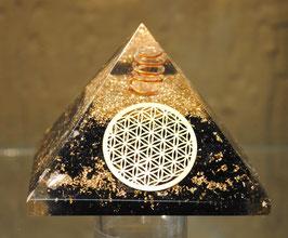 Pyramide d'orgone Tourmaline et fleur de vie