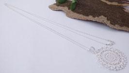 Silberhalskette mit Blumenanhänger (DHS 27)