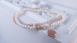 Armbänder aus peach Mondstein, Silber und Süsswasserperlen * (DAB 91)