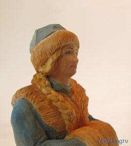 Снегурочка - резная деревянная игрушка.