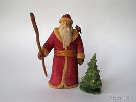 Дед Мороз - резная деревянная скульптура.