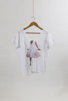 """""""Ballerina"""" T-Shirt von Sonja Stern"""