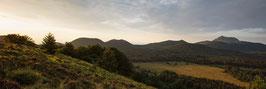 Panoramique Chaîne des Puys  - Vue du Puy des Gouttes