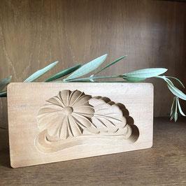 Ancien kashigata chrysanthème & sa feuille (symbole longévité) - Ère Showa