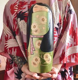 "Kokeshi ULTRA MASSIVE ""Akizakura"" (fleurs de cosmos) de Kaoru Nozawa - 34 cm - 12 cm de large !"