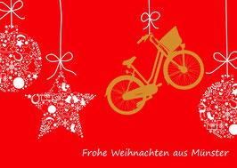 Weihnachtskugeln und Fahrrad
