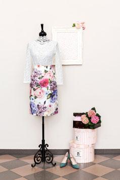 Taillenstiftrock mit Hortensien und Rosen