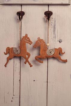 Pferdchen mit Goldverzierung