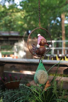 Kleiner Vogel mit Pudelmütze