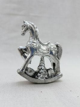 Schaukelpferd in Silber