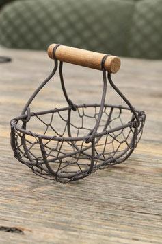 Kleines Körbchen mit Holzgriff