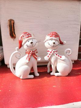 Weihnachtliche Katze sitzend