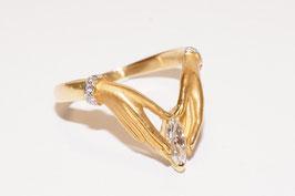 Carrera y Carrera Ring - Hände halten Navetteschliff-Diamanten 0,14 ct in 750er Gold