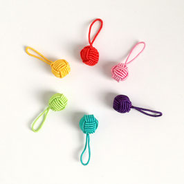HiyaHiya Rainbow yarn ball
