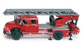 4114 マギラスはしご消防車 1/50