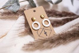 Ava Perl- Perlmutt Gold Edelstahl Studs Hanger