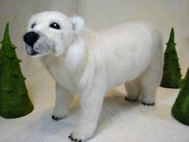Gefilzter Eisbär, felted polar bear