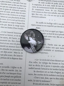 badge broche loup noir