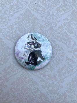 badge broche lapin Wolpertinger - Jackalope