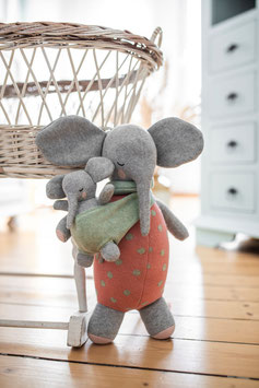 Elefantenmutter Marlene mit Baby