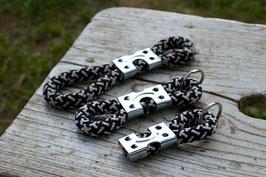 Schlüsselanhänger in Schwarz-Weiß | Ropes Upcycled