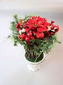 赤い実が可愛いシンプルクリスマスリース