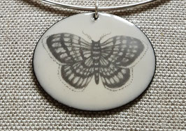 Very Large Oval Necklace on Chain in Moth