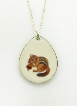Large Teardrop Necklace in Chipmunk with a Nut