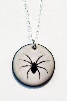 Large Round Necklace in House Spider