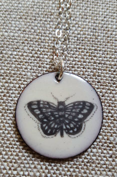 Large Round Necklace in Moth