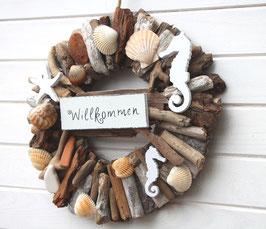 Naturkranz mit Willkommen - Schild