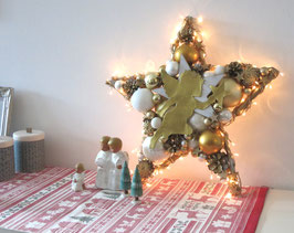 Großer Stern in gold - weiß mit Licht