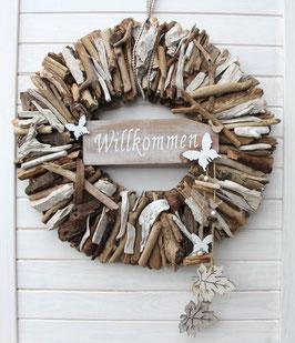 Holz Kranz aus braunem und weißem Treibholz