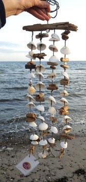 Windspiel Naturdeko aus Muscheln