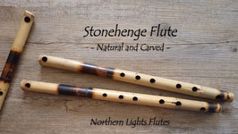 Stonehenge Flute in G - Natural and Carved (lieferbar in 5 bis 10 Tagen)