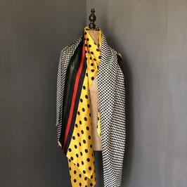 Sjaal |  Stippen geel met rood detail