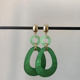 Resin oorbellen | Groen met gouden steker
