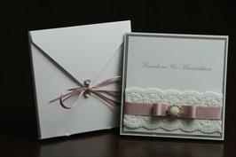 Einladungskarte Hochzeit Brosche, Spitzenband, Spitze, Edel - Altrosa