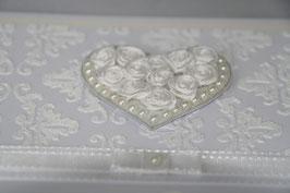 Einladungskarte Hochzeit romantisch mit Rosenherz Verzierung