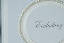 Einladungskarte Hochzeit klassisch mit Perlen