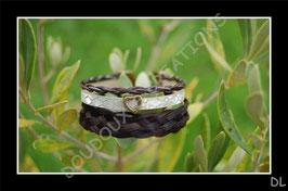 Bracelet multirangs en véritables crins de cheval et cuir fantaisie, fermoir clip et perle passante coeur bronze