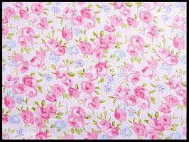 Tissu fleurs roses et bleues en coton blanc 50 x 45 cm - T41