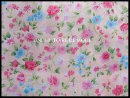 Tissu à fleurs en coton rose  50 x 45 cm  - coupon T57