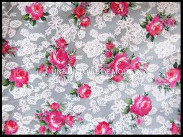 Tissu dentelle et fleurs roses en coton  - 50 x 45 cm -Coupon T49