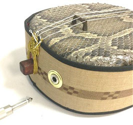 エレキ三線 集音マイク内蔵型 + 裏面の皮張り