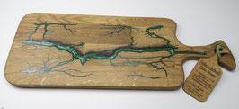 Eichenbrett in Lichtenberg Technik und Epoxidharz in smaragdgrün mit selbstkreiertem Holzgriff