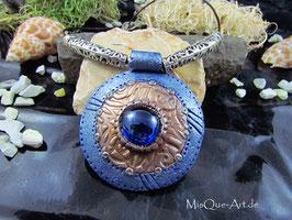 Mittelalter Medaillon in blau-bronze mit blauem Stein